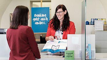 VKB-Individualkundenbetreuerin Sabrina Narnleitner • VKB-Bank