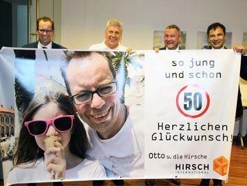 Gruppenfoto Hirsch Transparent