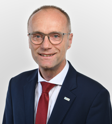 Josef Edlinger, Direktor der VKB-Bank Enns